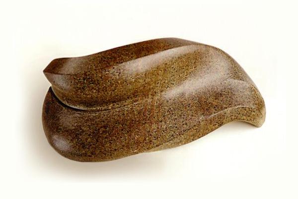 Leaf - Soapstone - H:48cm, W:20cm (Photograph: Bill Knight)
