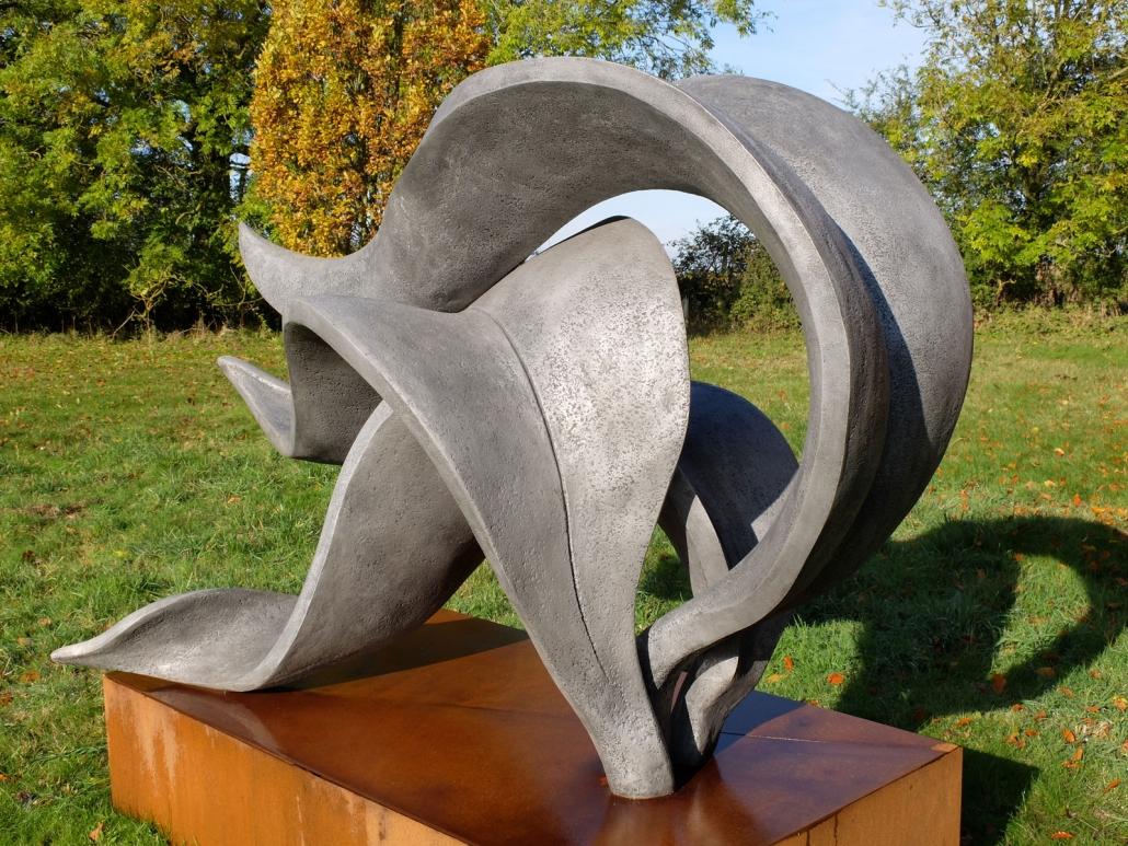Coup de Vent – H (with plinth): 1,80 m; W: 1,25 m; L: 2,10 m